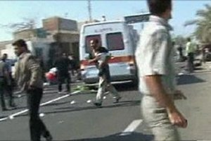 Επίθεση αυτοκτονίας έξω από τέμενος στο Ιράν